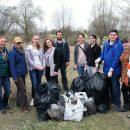 Гомельские медики собрали почти центнер мусора рядом с Любенским озером