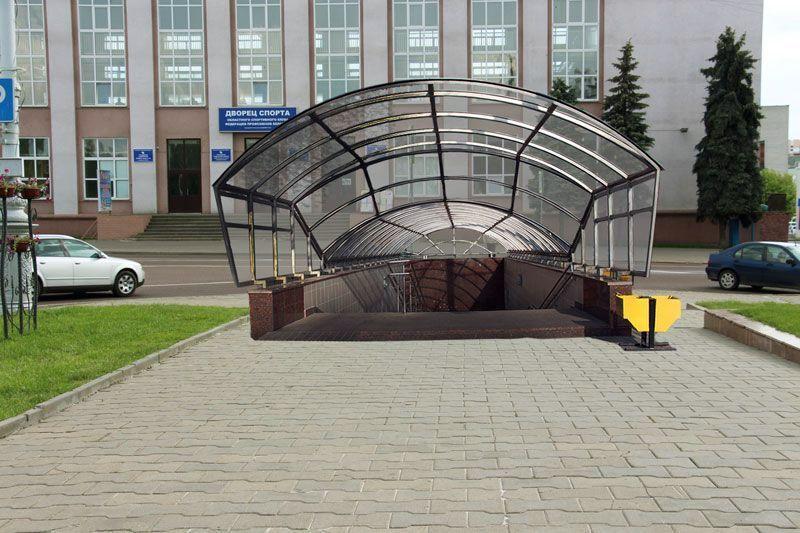 Подземный переход должен появиться перед Дворцом спорта. Его строительство нарушает охранную зону Дворцово-паркового ансамбля