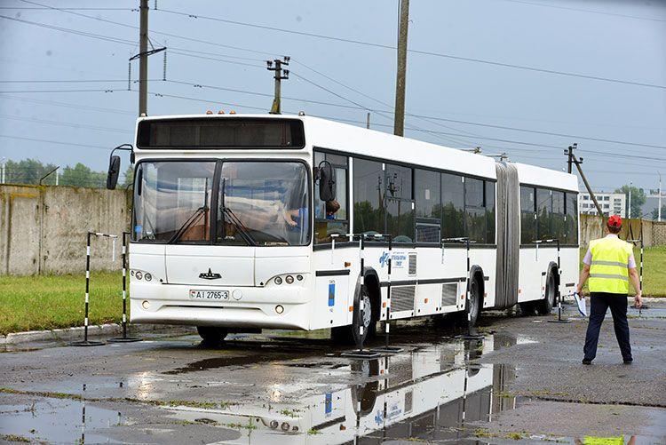 В Гомеле соревновались водители автобусов и большегрузов