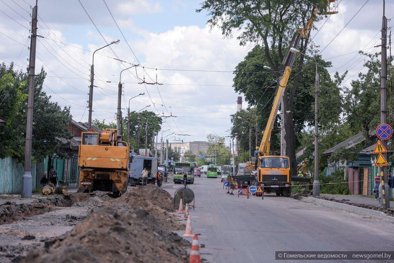 На улице Полесской идёт капитальный ремонт