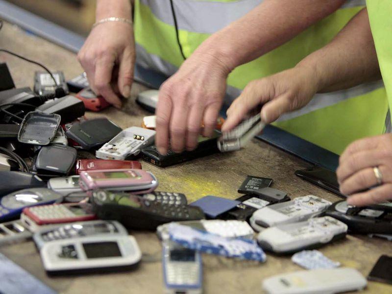 Гомельчане занимают второе место в программе утилизации телефонов