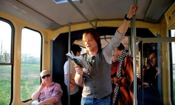 В гомельских автобусах будут читать стихи белорусских поэтов