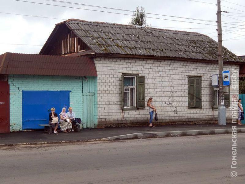 Жители улицы Полесской просят перенести остановку «Никольская церковь»