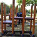 В парке «Фестивальный» устанавливают большой игровой комплекс