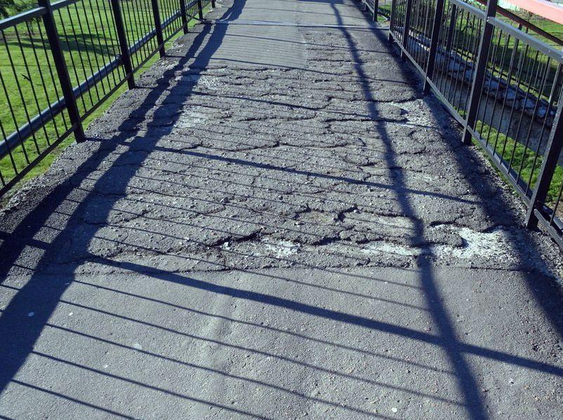 Кто пройдет или проедет по такому вот мосту?