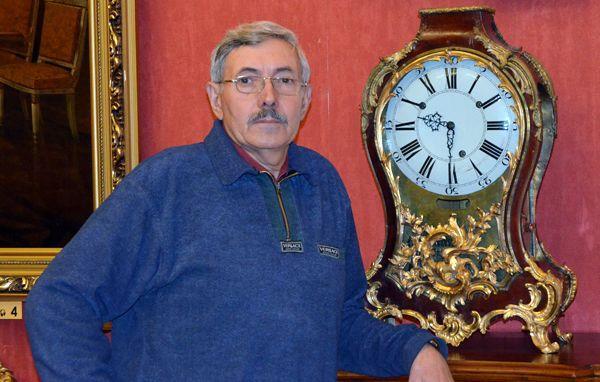 В Гомеле работает единственный в стране дворцовый часовщик