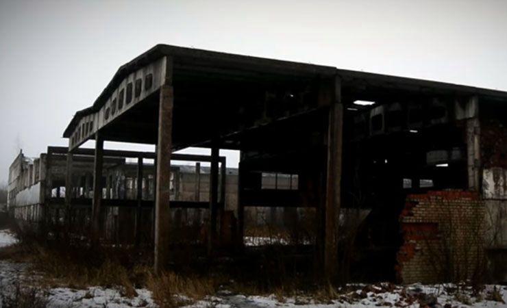 На окраине Гомеля в руины превратился недостроенный завод