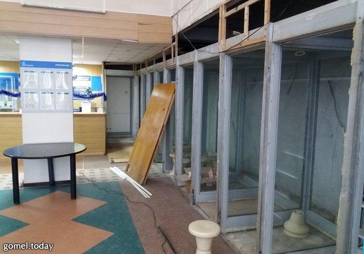В Гомеле демонтировали последние междугородние телефоны-автоматы