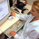Поликлиники Гомельской области планируют перейти на электронные карты