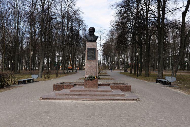 Администрация Советского района наведёт порядок в сквере имени Шевченко