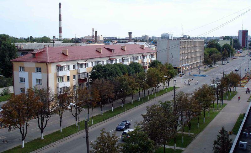 На проспекте Космонавтов устроят зелёную волну и оборудуют автобусные остановки