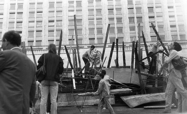 Путч 1991 года: двоевластие в Гомеле, горожане на баррикадах и конфискация имущества КПСС