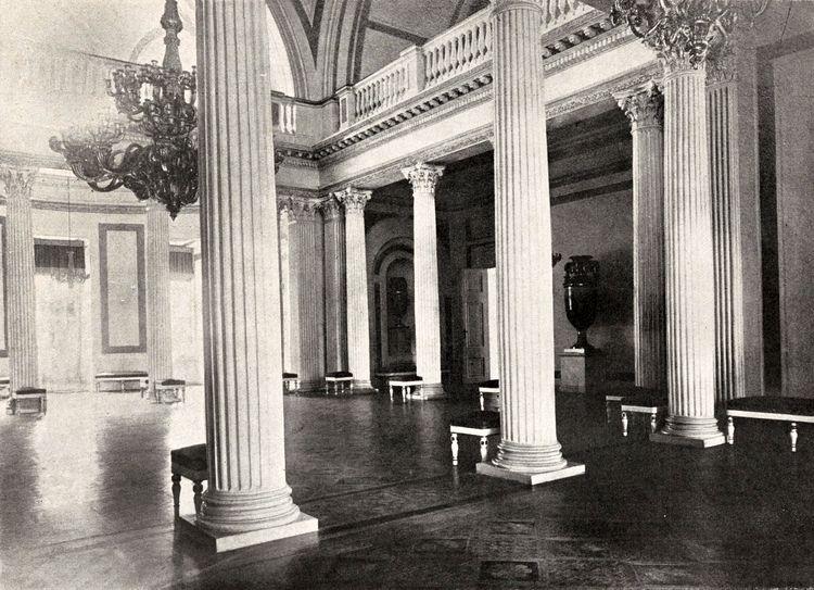 Колонная зала в Гомельском дворце.