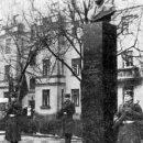 Открытие памятника П. О. Сухому в Гомеле (декабрь 1977 г.).