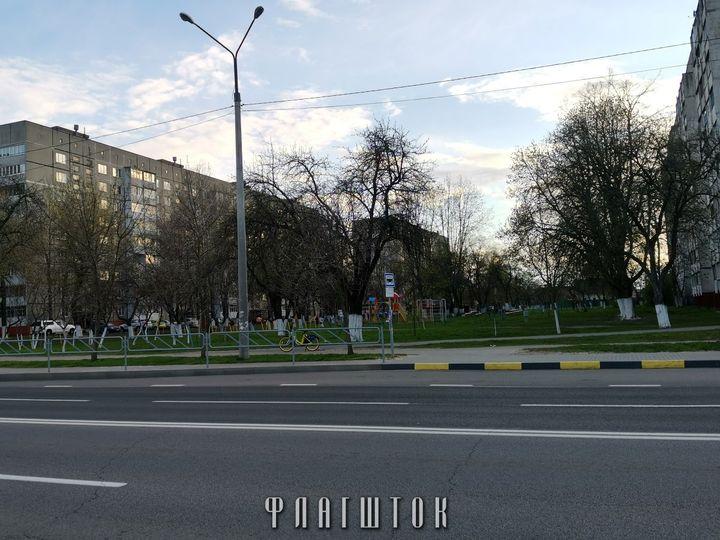 Между жилыми домами Старочерниговская,
