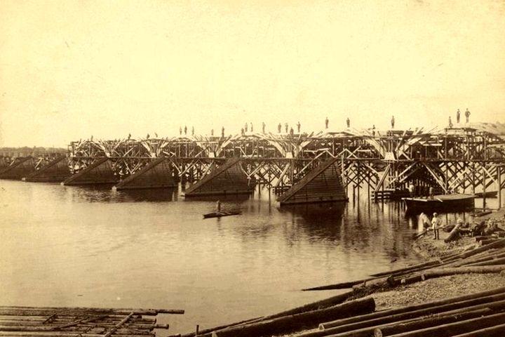 Краеведы нашли уникальные фото постройки моста через Сож