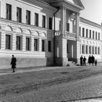 Здание нового общежития для студентов Гомельского дорожно-механического техникума (улица Интернациональная). 27 апреля 1953
