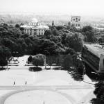 Вид на дворец Румянцевых-Паскевичей. Ресторан «Беларусь». Открыт в 1968 году. Архитектор Л. Тамков.