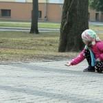 v-gomelskom-parke-deti-kormili14