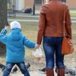 v-gomelskom-parke-deti-kormili15