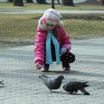 v-gomelskom-parke-deti-kormili2