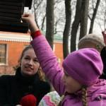 v-gomelskom-parke-deti-kormili9