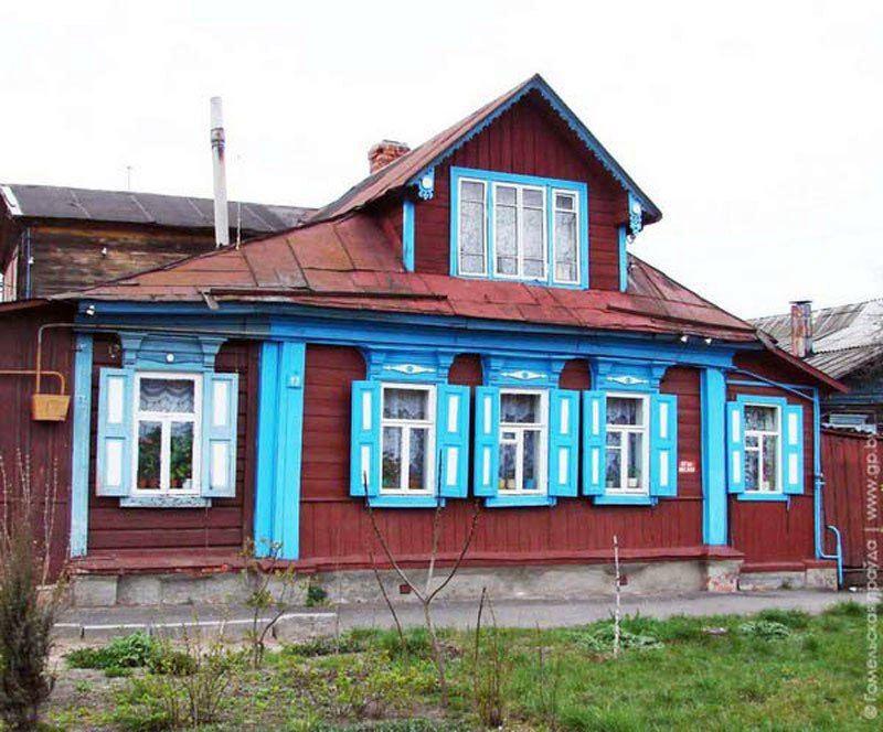 В этом дореволюционном доме работал известный гомельский картограф Анисим Щекудов.