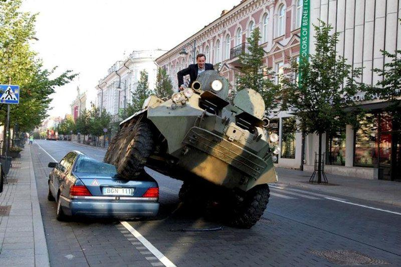 Показательная расправа мэра Вильнюса над нарушителем парковки.