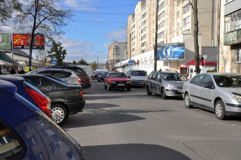 Район Центрального рынка — самое проблемное место для парковки и проезда.