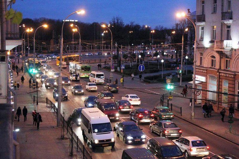 Улица Советская «закупоривается» сразу после окончания рабочего дня: 17:40–18:00