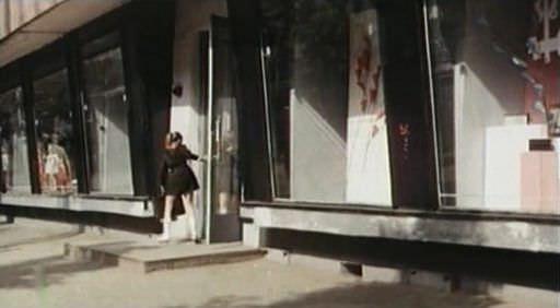 Героини фильма Надя и Тома гуляют по гомельскому проспекту Победы…