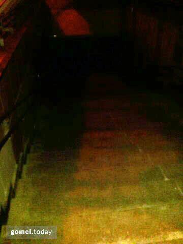 Подземный переход трещит по швам